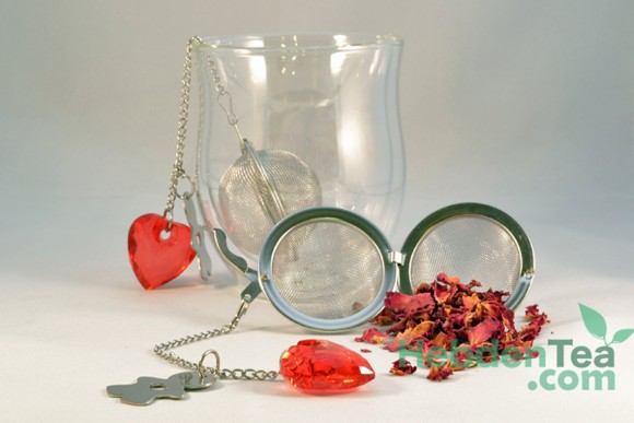 7741718-heart-ball-infuser-hebden-tea